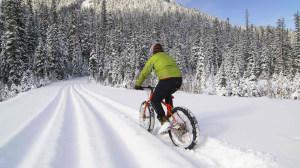 120814 winter-biking-to-work_h
